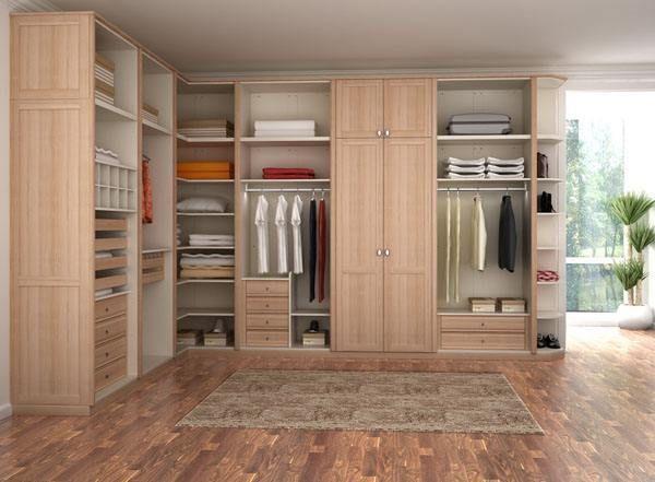 房间有定制衣柜 如何速换木地板
